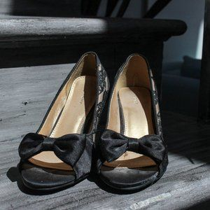 Fidni Lace Pump